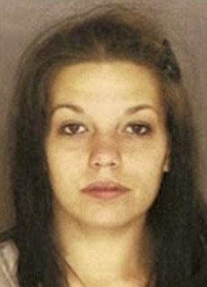 Jovem é presa após esconder 35 papelotes de heroína na área íntima
