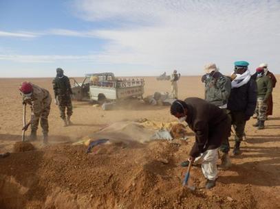 Menina de 14 anos enterra mãe e irmãs mortas de sede tentando cruzar o Saara