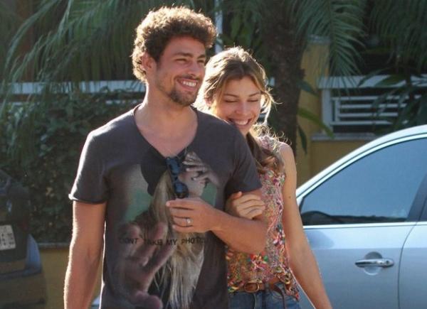 Cauã Reymond quer reatar casamento com Grazi Massafera, diz coluna