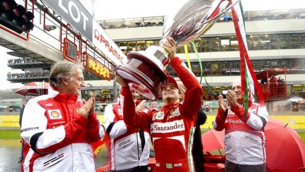 Felipe Massa se despede da Ferrari em grande festa diante de 15 mil fãs