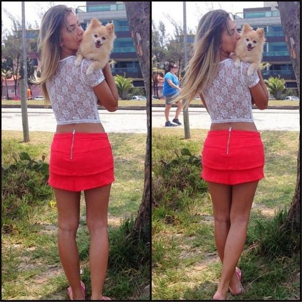 Ex-BBB Adriana ensina truque para disfar軋r perna fina e arcada em foto