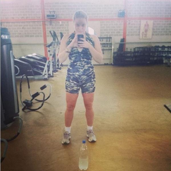 Guerra contra a gordura: ap cirurgia, Paulinha volta a malhar