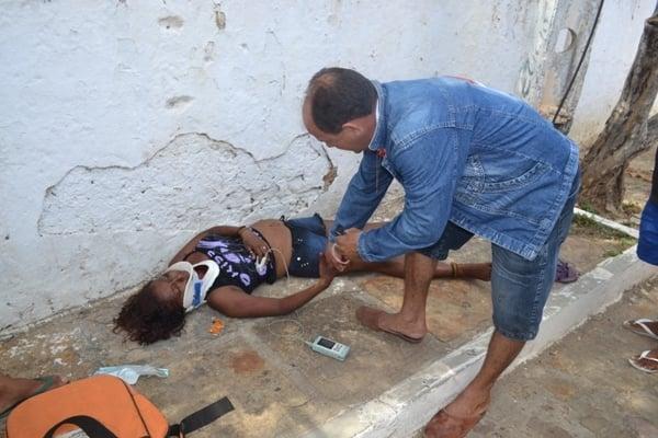 Mulher  espancada por companheiro a 50 metros da delegacia