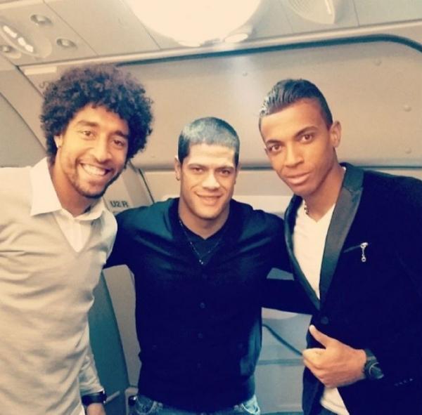 Trio da Seleção embarca para Miami  e estilo