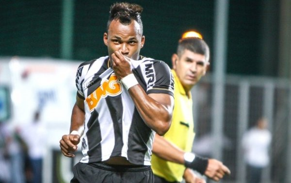 De olho no mundial, Atl騁ico-MG mostra bom futebol e vence Inter no Horto