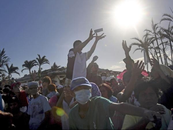 Governo filipino anuncia balanço de 3.621 pessoas mortas por tufão