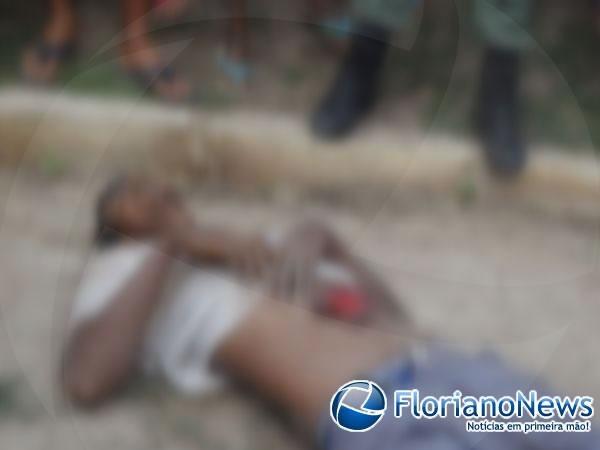 Rapaz é morto a facadas e fica com vísceras expostas em Floriano