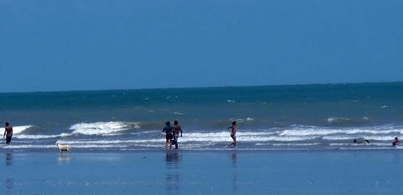 Jovem morre afogado na praia Peito de Moça