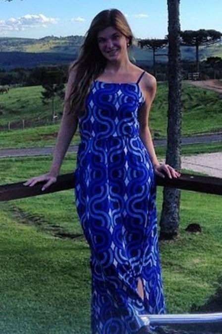 Cristiana Oliveira diz que cabelo estragou muito e que usa roupa de 20 anos atrás