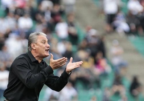 Tite recusa propostas para ficar no lugar de Felipão na seleção brasileira