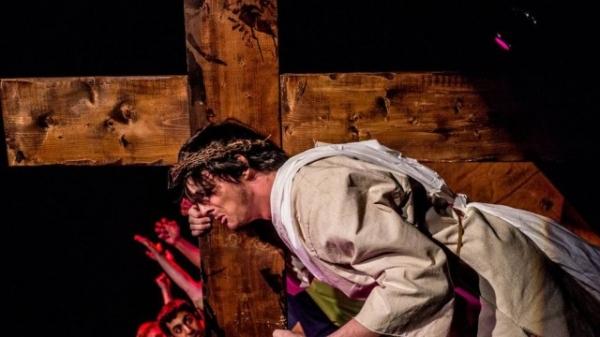 Musical conta a histia de Jesus Cristo com trilha sonora de Britney Spears