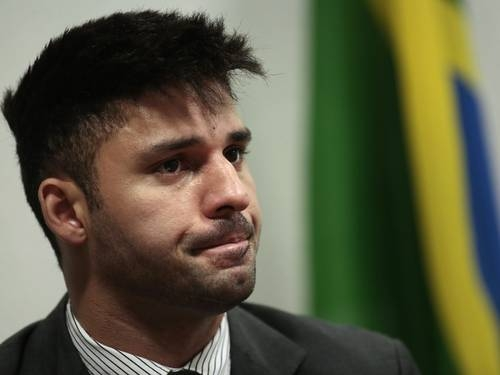 Reino Unido liga brasileiro detido com documentos em Londres a