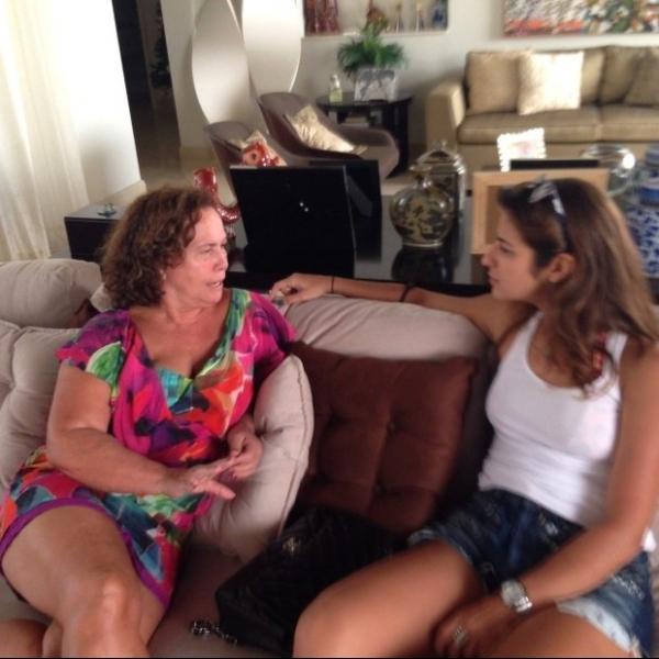 Ronaldo posta foto da mãe com a namorada Paula Morais:
