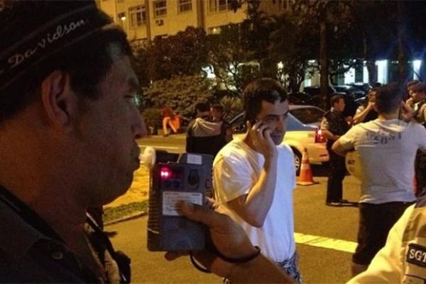 Sérgio Mallandro é parado em blitz da Lei Seca e comemora no Instagram
