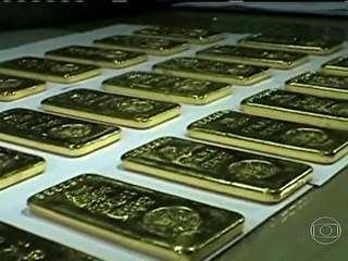 Faxineiras acham R$ 2,5 milhões em barras de ouro em banheiro de avião