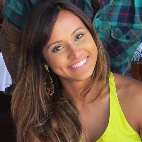 Thaíssa Carvalho deixa cabelão para trás e adota corte curtinho; compare