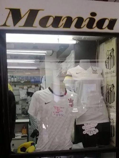 Venda de uma camisa do Timão em loja do Peixe deixa torcedor revoltado