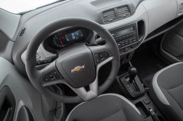Chevrolet Spin é líder no segmento e registra recorde vendas durante mês de outubro de 2013