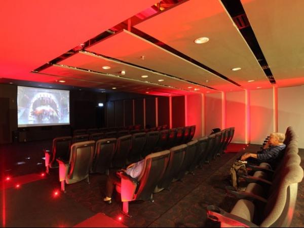 Empresa que arrematou Galeão tem aeroporto com cinema e piscina