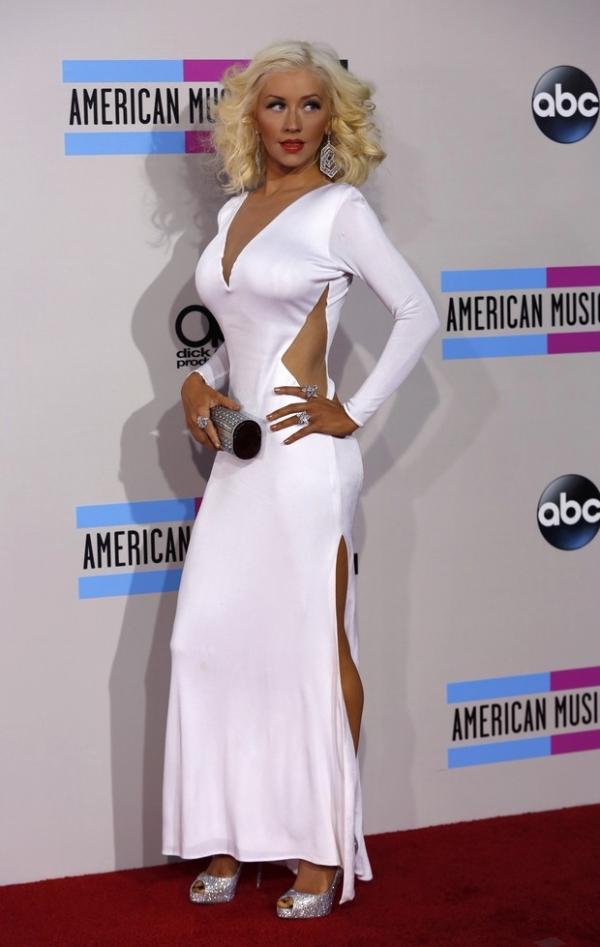 Mais magra, Christina Aguilera é eleita mais bem-vestida em premiação