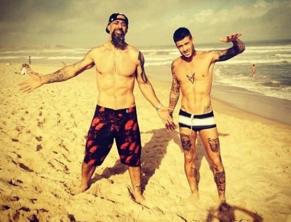 Mateus Verdelho transforma tatuagem com rosto de Dani Bolina em caveira