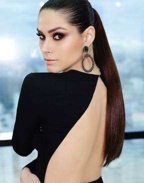 Fernanda Machado posa com visual sexy e elegante para revista