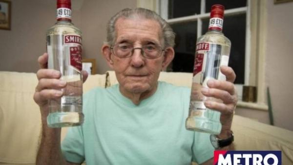 nglês de 92 anos é proibido de comprar bebida alcoólica por não mostrar identidade