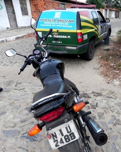 Menor é apreendido com moto de placa fria após atirar em idoso