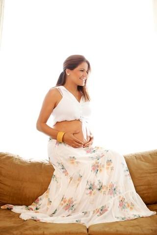 Nívea Stelmann exibe o barrigão de grávida e revela: ?Foi feita no México?