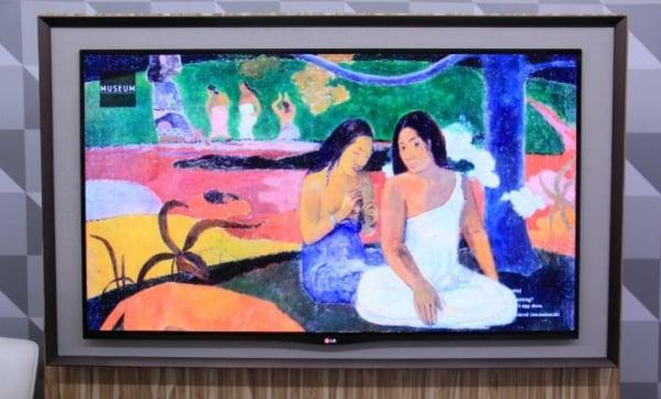 LG lan軋 TV OLED Gallery que vira quadro em modo stand by