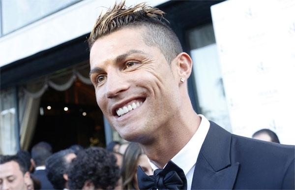 Sem Neymar no top 10, revista elege Cristiano Ronaldo melhor de 2013