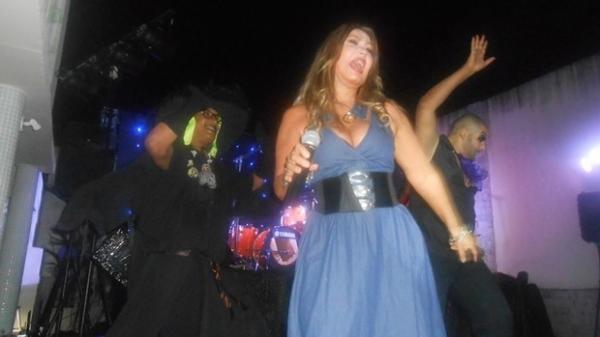 Show de ex-paquitas, Rosana e Sylvinho Blau Blau acaba com polícia