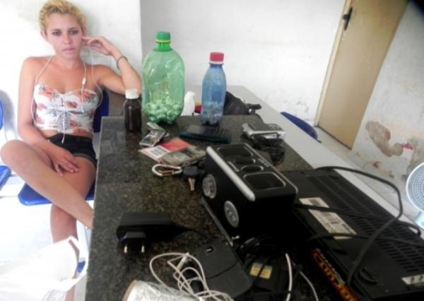 Jovem de 18 anos é presa com boca de fumo no Piauí