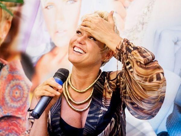 Demora na renovação do contrato de Xuxa deixa clima tenso nos bastidores da Globo
