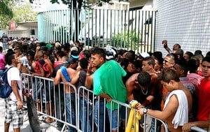 Com ingressos esgotados, Fla tenta ocupar lugares na torcida do Goiás