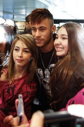 Neymar desabafa: ?Um fã sabe o seu limite. Se não souber, não é fã?
