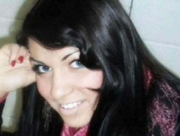 Russa de 18 anos vende virgindade em leilão on-line por R$ 60 mil