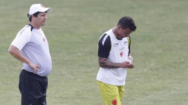 Vasco: Dois quilos acima do peso, Bernardo ainda não retorna contra o Santos