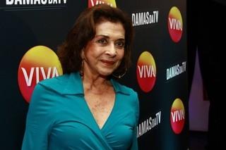 Betty Faria se emociona ao falar sobre assalto: