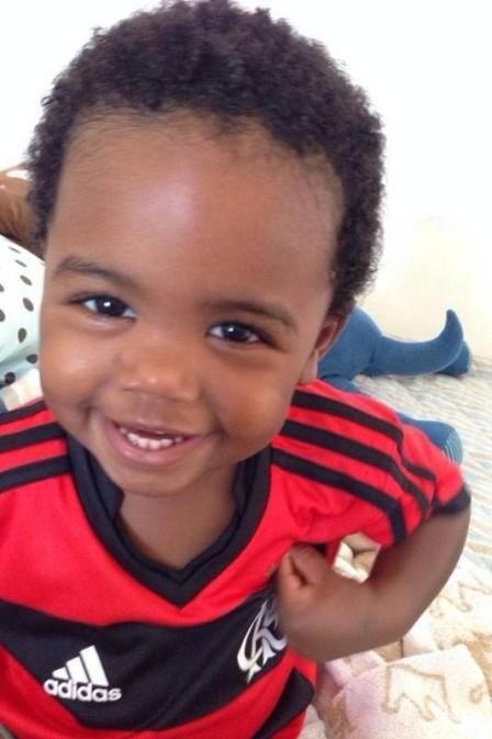 A estrela de Davi: filho de Elias vira amuleto do Flamengo e sorri após homenagem da torcida