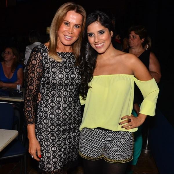 Com vestidinho Wanessa Camargo e Zilu conferem show de Zez e Luciano