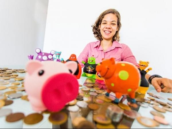 Estudante de AL economiza R$ 5 mil em moedas e compra carro 0km