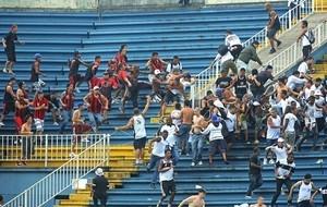 Ameaçados de punição severa, Atlético-PR e Vasco são julgados