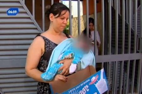 Mãe e avó disputam guarda de bebê abandonado em caixa de leite em GO