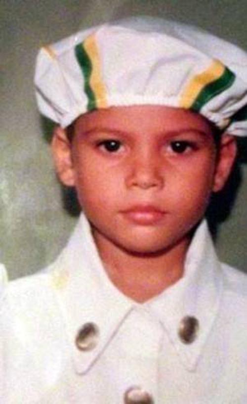 Menino de 10 anos morre ao ser usado como escudo por  um jovem