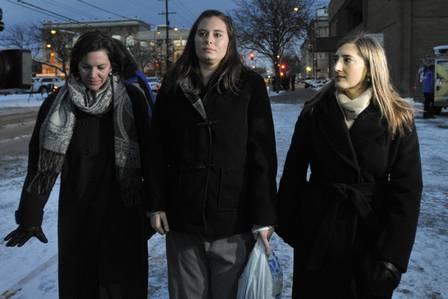 Recém-casada se declara culpada de atirar marido de um penhasco oito dias após o casamento