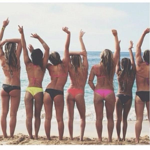 Musas do circuito mundial de surfe fazem fotos provocadoras no Havaí