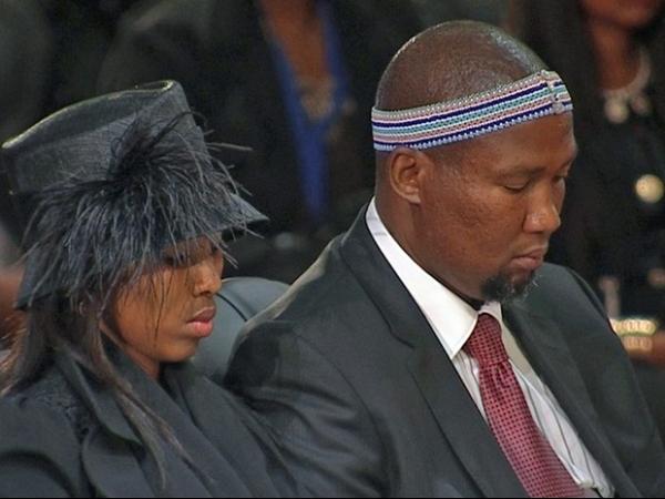 Família de Mandela começou a se desentender durante funeral, diz jornal