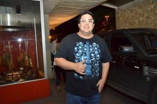André Marques faz cirurgia bariátrica para perder peso