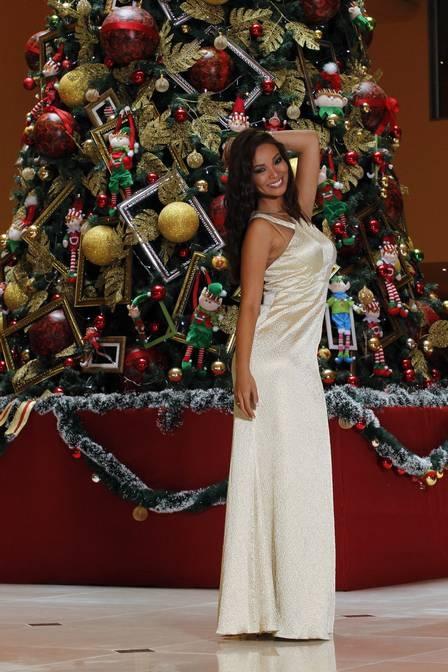 Com menos 13kg, Carol Nakamura diz que vai comer rabanada no Natal e desfila looks de festa